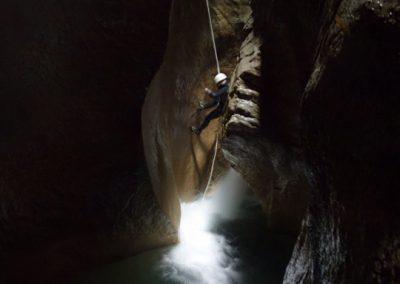Cascade de 6 mètres dans le canyon de l'Infernet