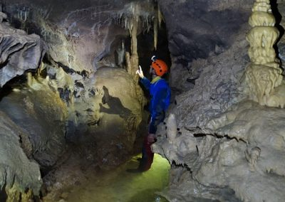 concrétion stalagmite stalactite Cavale spéléologie bauges Feclaz Revard